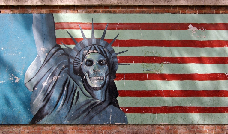 teheran_us_embassy_propaganda_statue_of_liberty.jpg