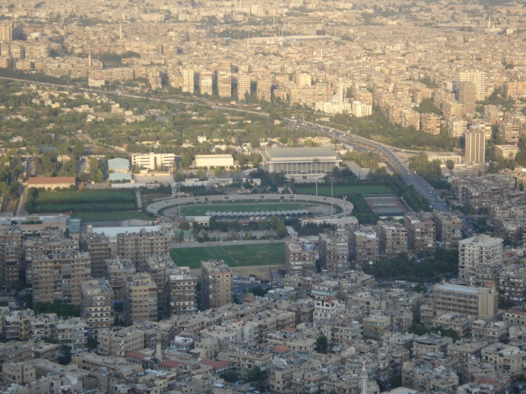 Al-Fayhaa_Stadium_in_Damascus,_Syria_as_seen_from_Mount_Qasioun.jpg